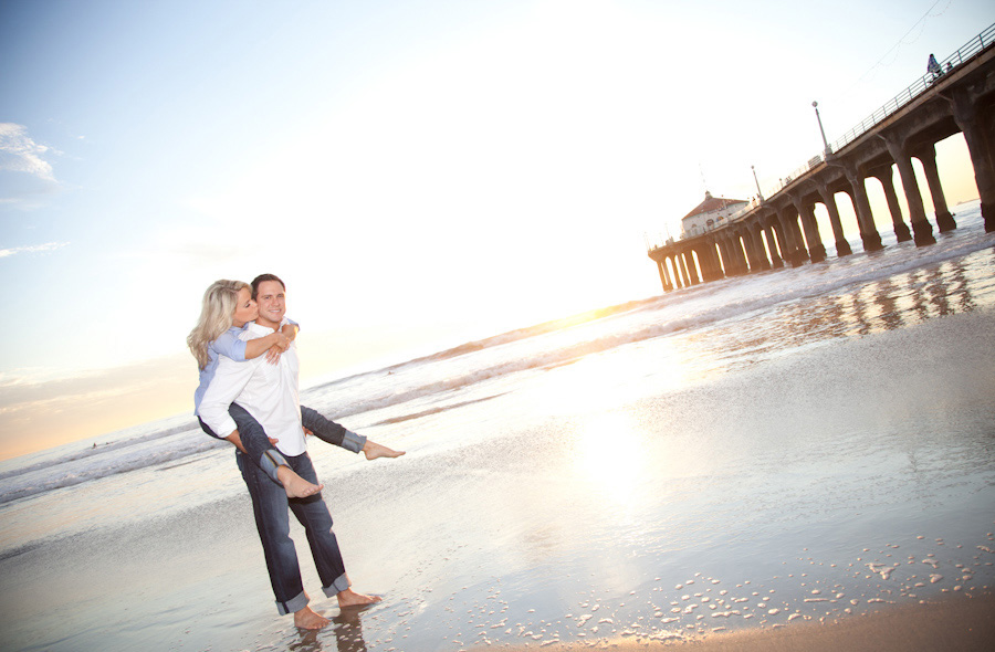 Manhattan-Beach-Pier-Engagement-Session_0012